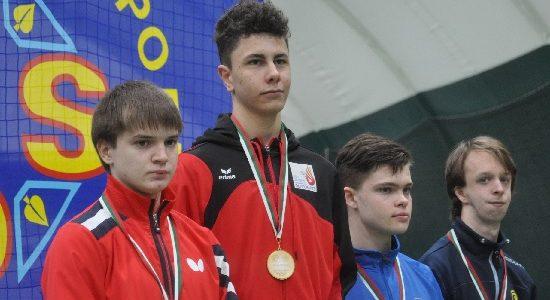 Goldjunge und historische Medaille bei Tischtennis-EM